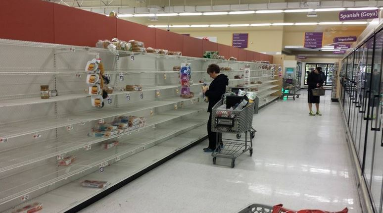 grocery-snow-stormjpg-f39a50b0fc107f5e